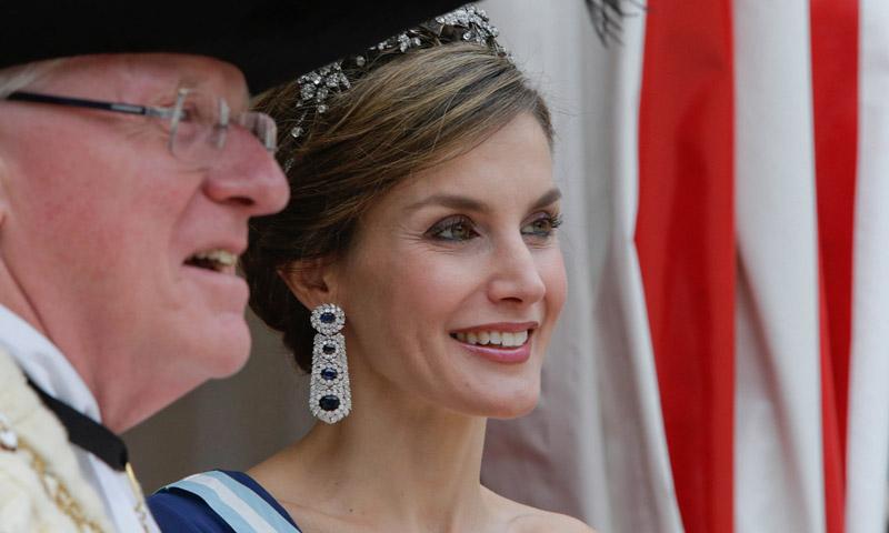 Actual Actual Doña Letizia, Reina de diamantes (y sonrisas) en el Reino Unido