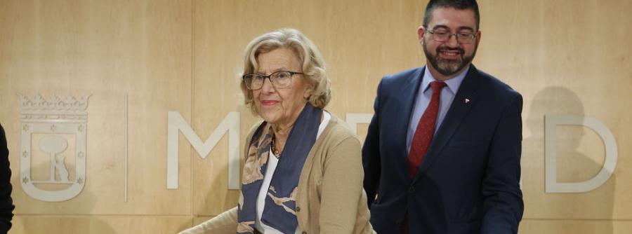 Actual Actual Carmena reorganiza a su equipo tras destituir a Sánchez Mato al frente de Economía y le da Latina